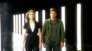 Bones Flashback Friday! It's Booth & Brennan Since 2005