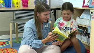 Teacher reads bedtime stories to students over Facebook live