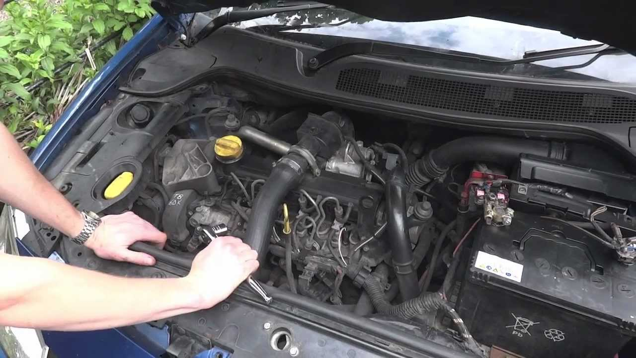 maxresdefault how to test windscreen wiper motors youtube renault modus under bonnet fuse box at crackthecode.co