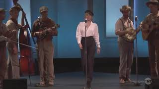 Скачать Miley Cyrus Performs I Am A Man Of Constant Sorrow At The George Clooney Tribute