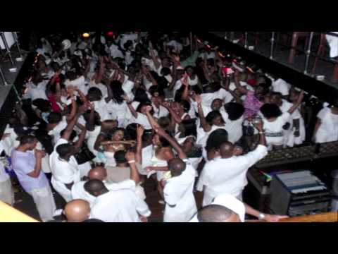 The Queens Alumni Presents 2012 All White Midnight Yacht Cruise