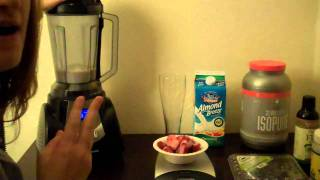 Healthy Strawberry / Blueberry Breakfast Smoothie