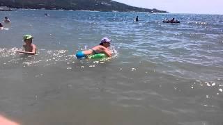 Это чёрное море солёное!!! Я видел медуз и акул(, 2015-07-24T17:38:02.000Z)