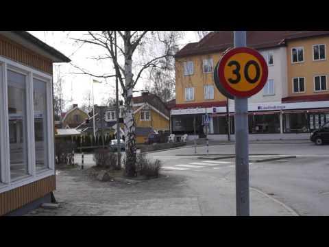Sweden, Huddinge, virtual walk from Coop Extra/Huddingevägen to Skogsängsvägena