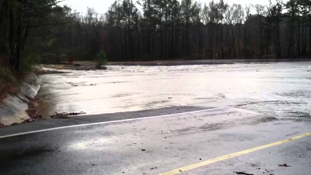 lake wildwood spillway flooding 2-12-13 - youtube