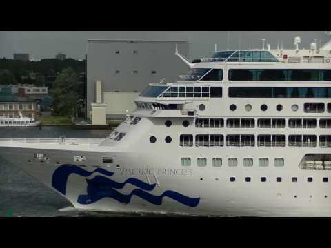 Pacific Princess departure