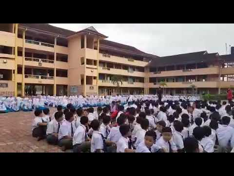 Persembahan hari guru MKiST 2018 team MKiST boy... #hakkaXsyantikdance