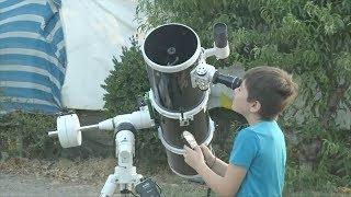 10-летний астроном-самоучка даёт платные уроки