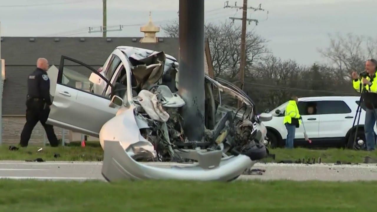 1 dead, 1 injured after crash at 14 Mile, Orchard Lake roads