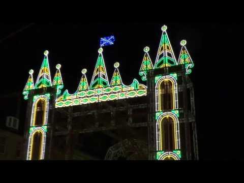 Christmas Street Of Lights With Music And Songs Edinburgh Scotland