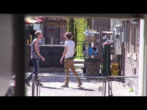 Random Creature Moment | HIPSTER SLAP FIGHT