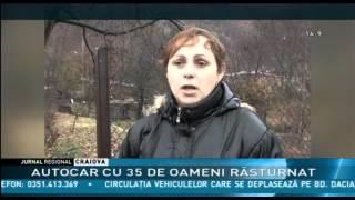 AUTOCAR CU 35 DE OAMENI RĂSTURNAT