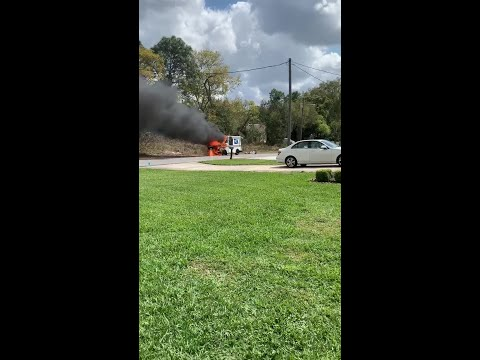 Deuce - Florida Postal Truck Goes Up In Flames In Spring Hill, ...Saves Packages