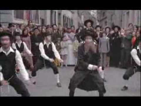 Scene danse film rabbi jacob youtube for Dans rabbi jacob