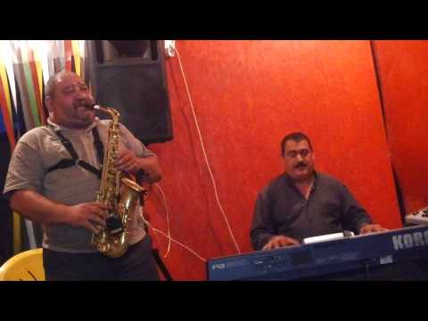 Bambi Saxofonistu & Mitu Mitroi- Instrumentala (Drobeta Turnu Severin) by Gujba!