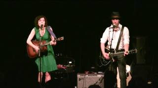 Carrie Rodriguez & Luke Jacobs
