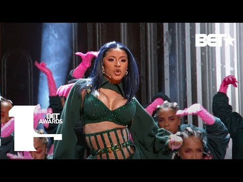 "Cardi B & Offset In FIRE ""Clout"" & ""Press"" Performance At Th"