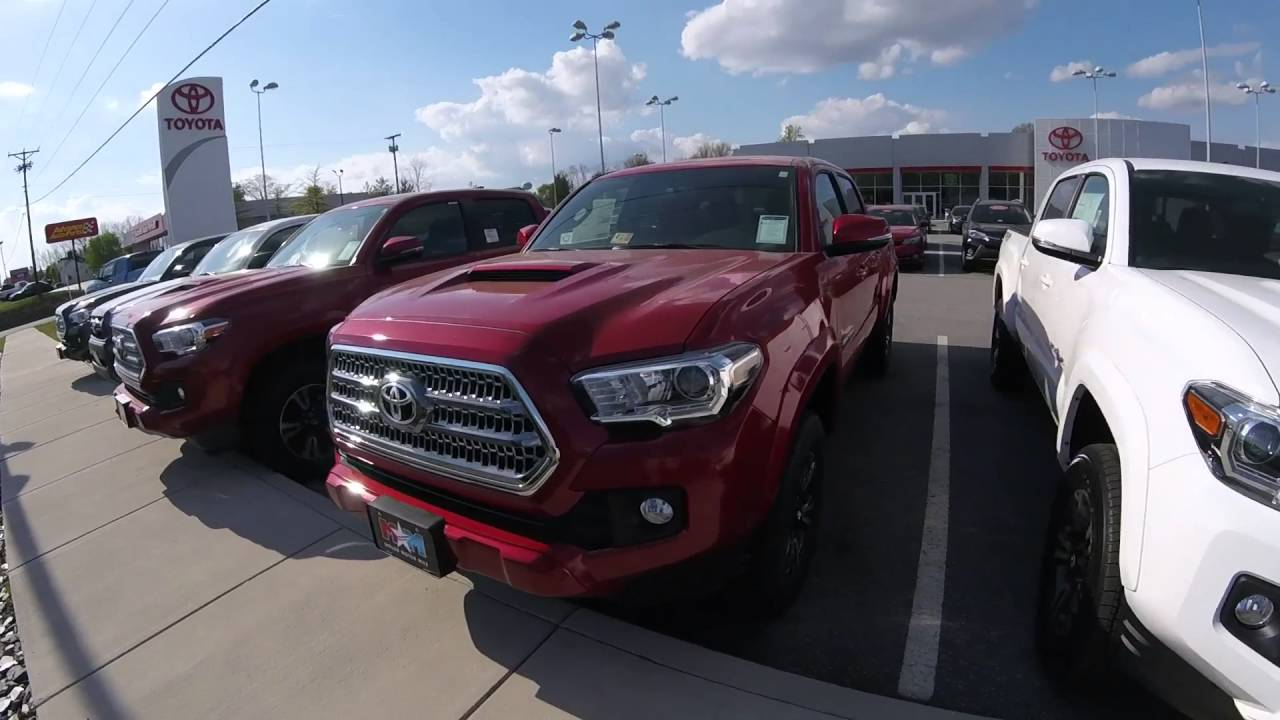 2016 tacoma trd sport vs off road youtube. Black Bedroom Furniture Sets. Home Design Ideas