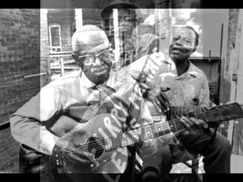 Furry Lewis-Dry Land Blues
