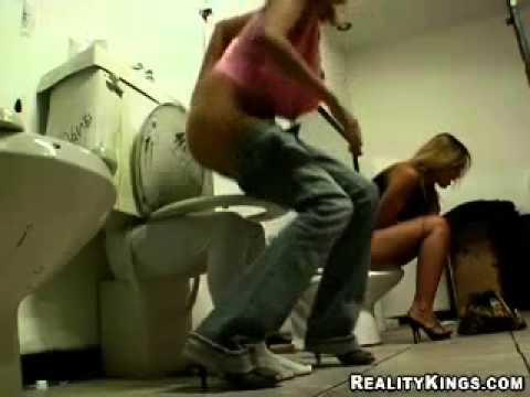 Toiletten streich  Lustiges Video  YouTube