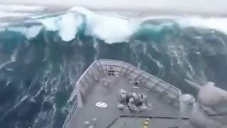 New Zealand naval ship smashed by monster waves in Southern Ocean   Daily Mail Online