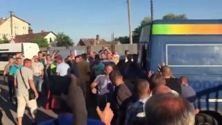 Украинцы устроили погром на польской границе, потому что их не пускают в Польшу