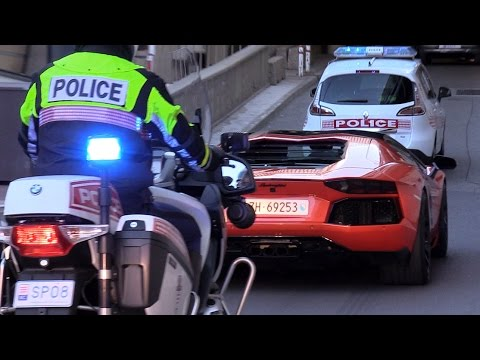 Lamborghini Aventador Pulled Over By The Police Corps!