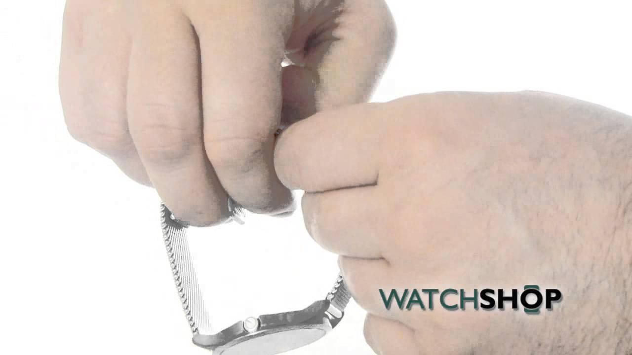 25aaa434e2b Gucci Men s G- Timeless Slim Watch (YA126315) - YouTube
