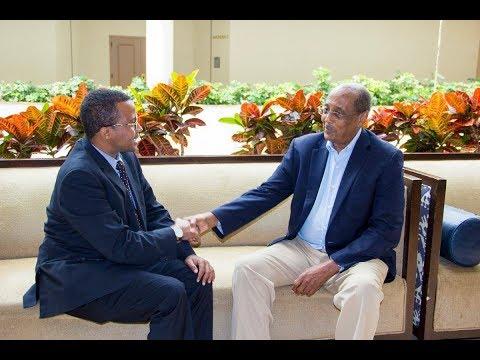 TOP WAREYSI: DHAQAALAHA SOMALIA IYO DR. ALI ESA ABDI