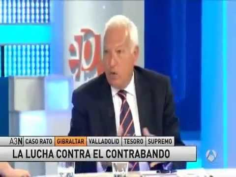 El ministro Margallo critica el contrabando de tabaco desde Gibraltar