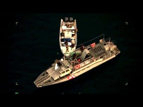 شاهد: مطاردة بين البحرية المكسيكية وقارب صيد صغير  - نشر قبل 1 ساعة