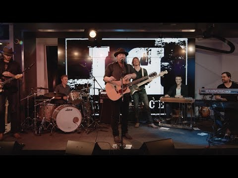 "Lee Brice YouTube LIVE Series: ""I Don't Dance"""