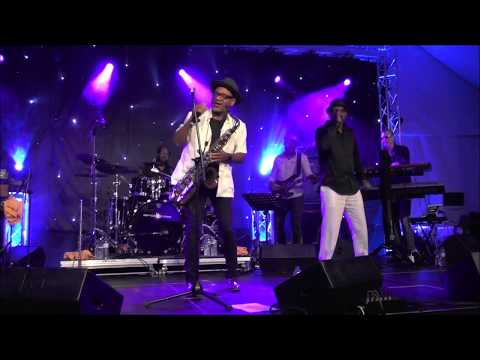 Do You Feel Me  Kirk Whalum feat Larry Braggs at 2 Algarve Smooth Jazz Festival 2017