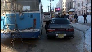 видео Экстренное открывание двери в городе Барнауле. Вызов мастера.