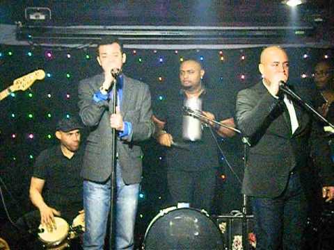 7 alex bueno en vivo salsa latina night club youtube for Alex bueno salsa jardin prohibido