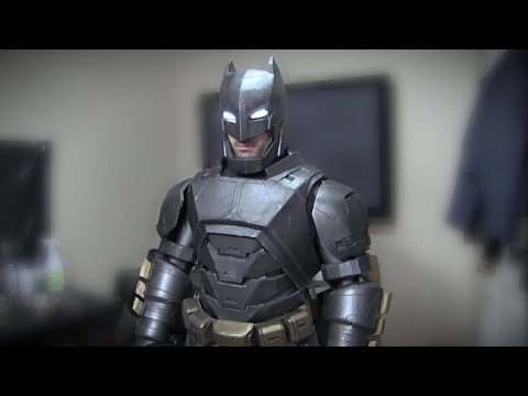 Batman v Superman - Dawn of Justice Movie Costume - Painting Timelapse