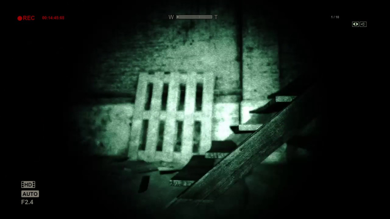 Download How scary is Outlast? You tell me.   : o