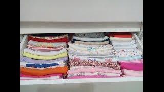 Como organizar as roupinhas do bebê na cômoda e no guarda roupa