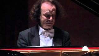 Download Cyprien Katsaris live in Shanghai, 2005 - Schubert/Liszt: Ständchen MP3 song and Music Video