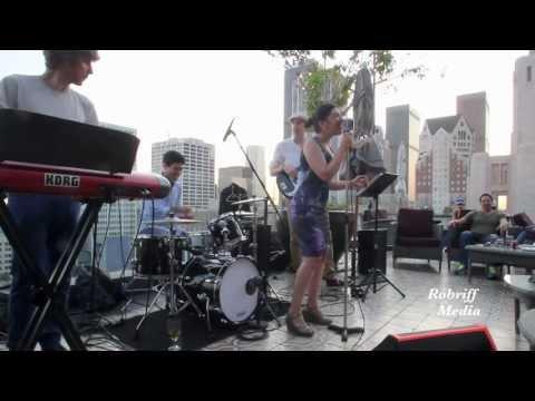 Blackstreet-No Diggity, Liela Avila