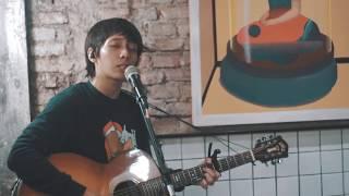 Oscar Lolang - Bila (Live at Filosofi Kopi)