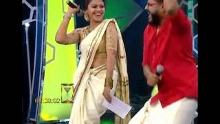 mallu actress anusree hot navel show in saree