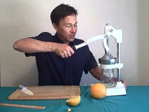 How to Best Make Citrus Juice with the Olympus and Jupiter Citrus Press