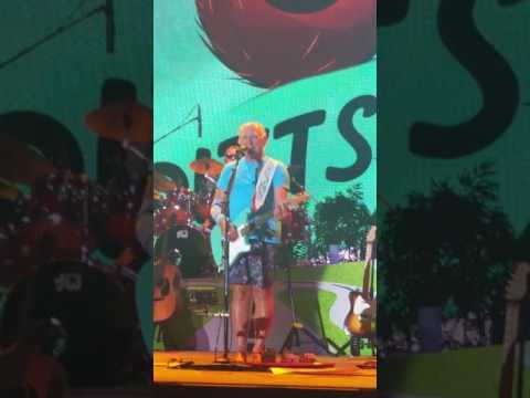 Jimmy Buffett concert 2016