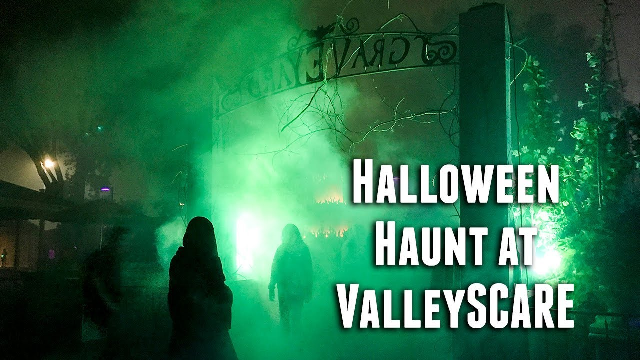 When does valleyscare open