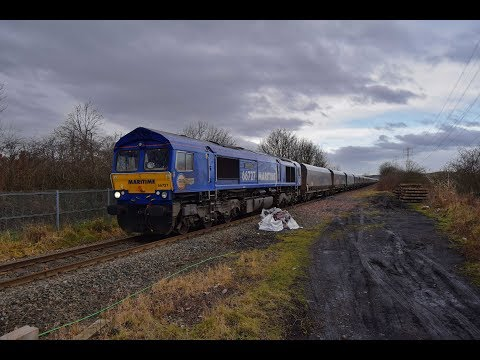 "GBRF  ""Maritime"" liveried Class 66 No.66727 Passes Backworth Level Crossing [HD]"