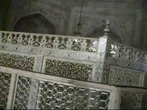 Taj Mahal -Inside the artificial burial chamber of Mumtaz and Shahjahan