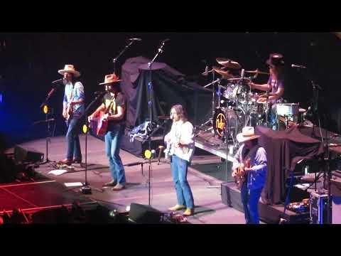 "Midland - ""Drinkin' Problem"" Live At Verizon Arena 2018"