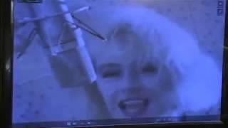 Русские люди смотрят клипы 90 годов и Хованского