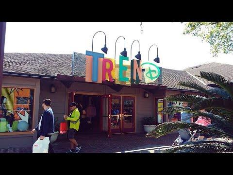 Tren D - La Elegante Boutique en Disney Springs